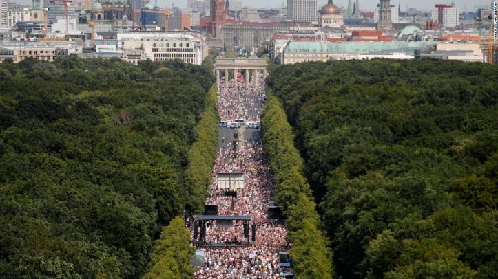 berlin-coronavirus-restrictions-protest